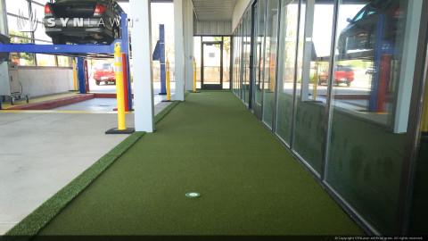 auto repair center putting green